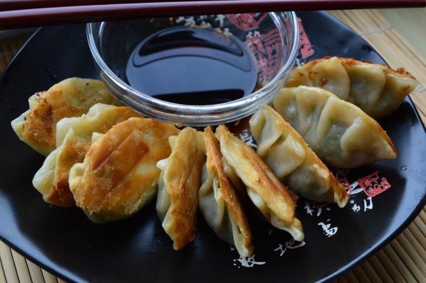 Kiniški kinietiški koldūnai su mėsa
