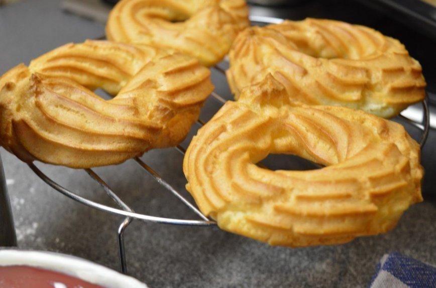 Plikyti žiedai sausainiai su maskarpone