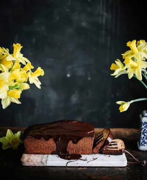 Lietuviškas vanilinis šokoladinis keksas
