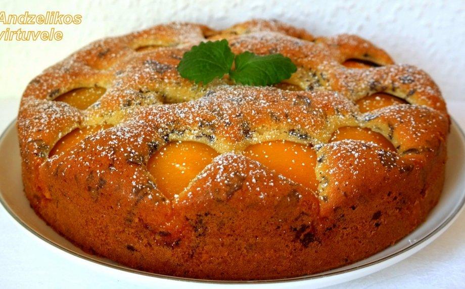 Greitas pyragas su persikais
