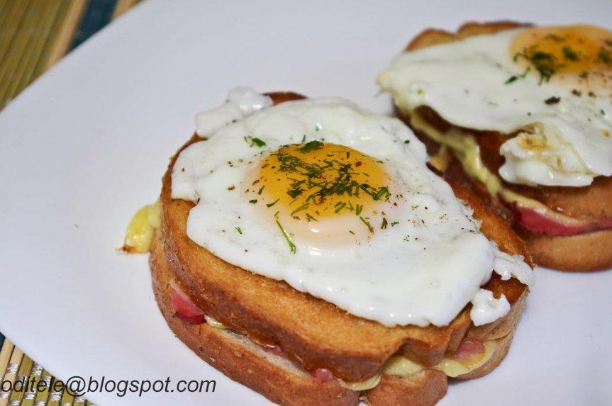 Karšti kepti sumuštiniai su kiaušiniu