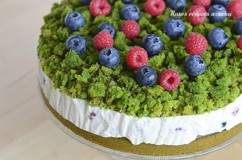 Špinatų tortas miško sąmanos su maskarpone