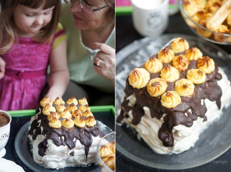 Plikytų sausainių tortas