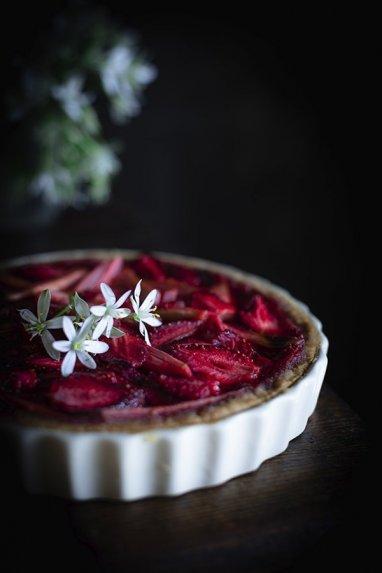 Braškių ir rabarbarų pyragas be glitimo