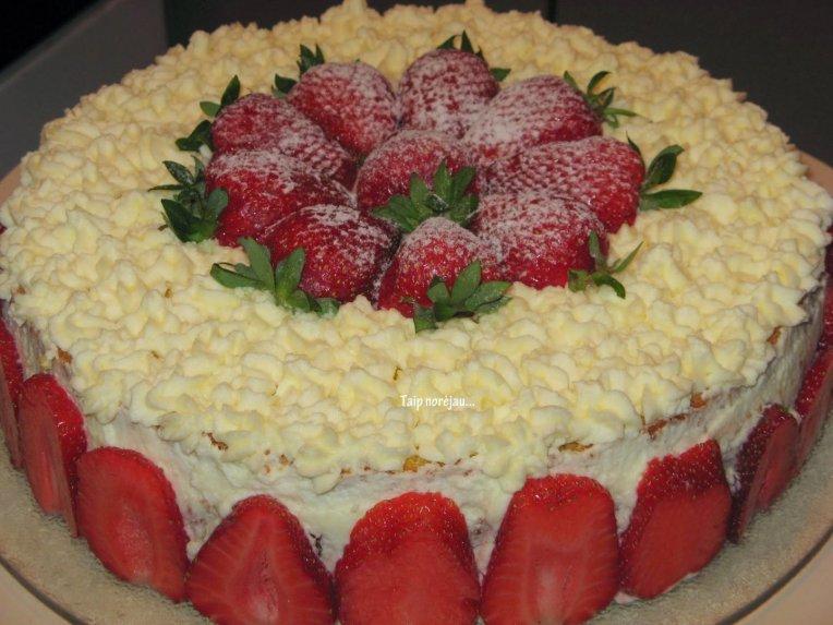 Tortas braškinė svajonė su varške