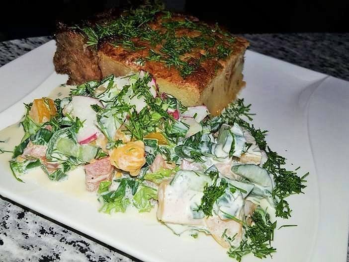 Bulvių plokštainis kugelis su malta mėsa faršu