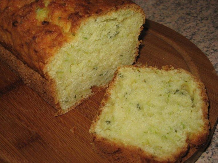 Citrininis cukinijų keksas pyragas