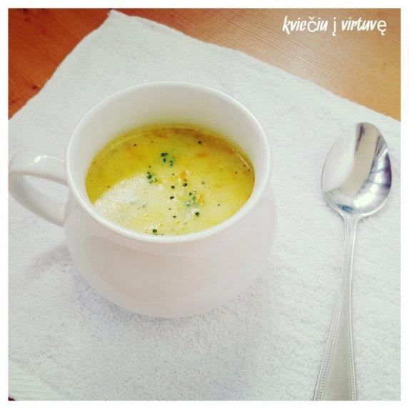 Brokolių ir sorų sriuba su lydytu sūreliu