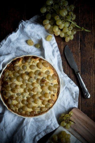 Pelėsinio sūrio pyragas su vynuogėmis