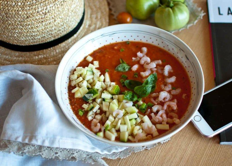 Trinta šviežių pomidorų sriuba