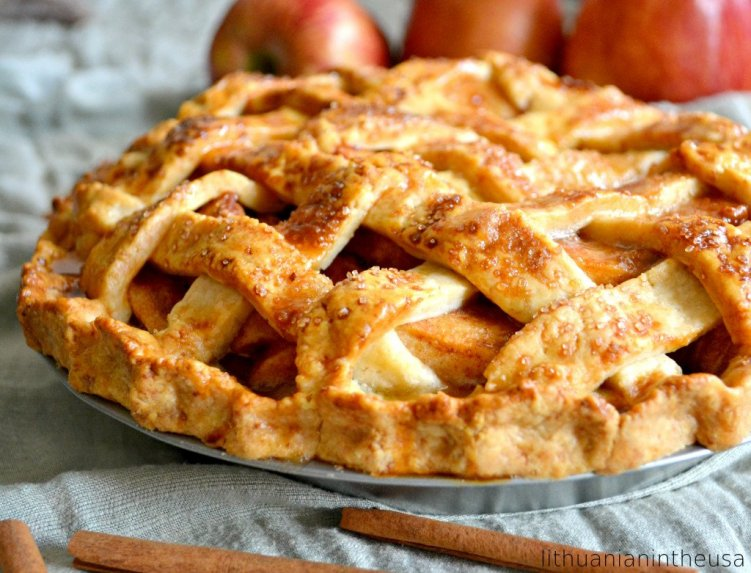 Amerikietiškas obuolių pyragas