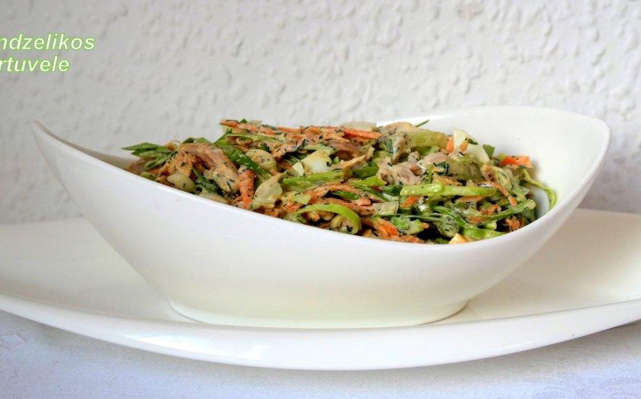 Gaivios kopūstų salotos su tunu