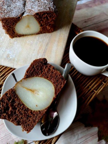 Šokoladinis kakavinis kriaušių pyragas