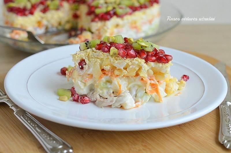 Liežuvio salotos su obuoliais kiviais