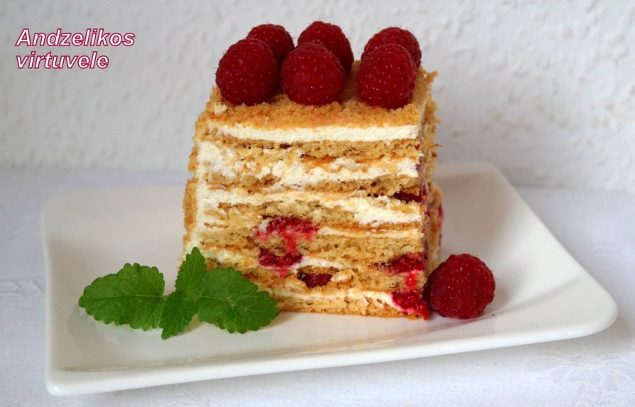 Greitas medaus tortas