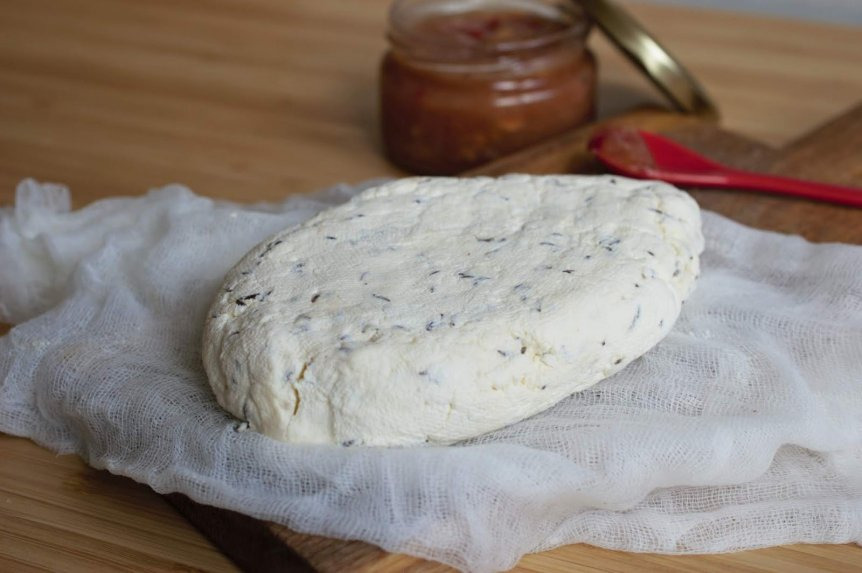 Naminis varškės sūris iš kefyro