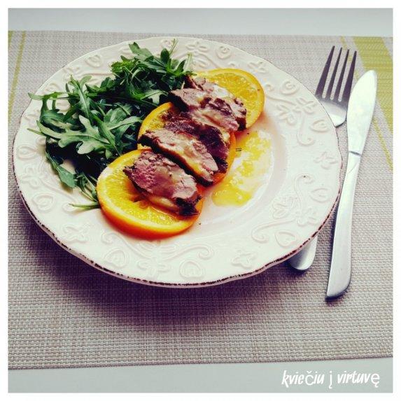 Antienos filė didkepsnis su karamelizuotais apelsinais ir aplesininiu padažu