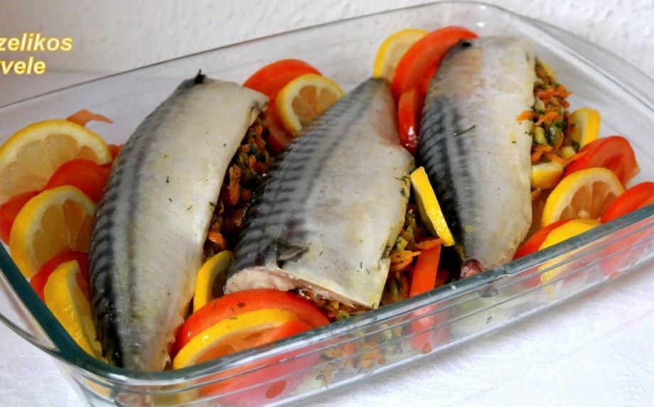 Orkaitėje kepta skumbrė su daržovėmis