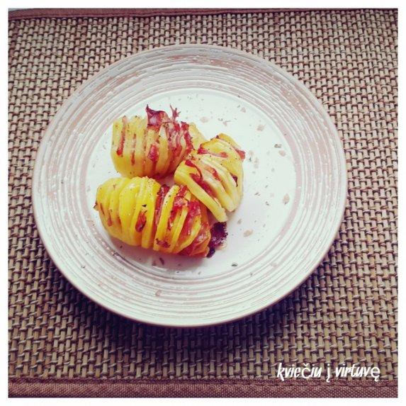 Bulvių armonikėlės su kumpiu