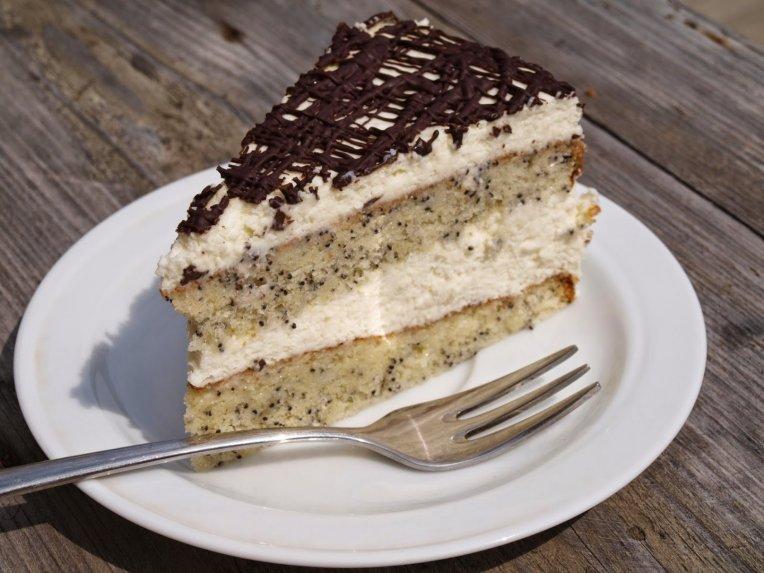 "Tortas ""Senelio sapnas"" su kondensuoto pieno kremu"