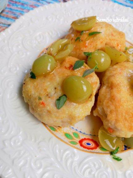 Vištienos kotletai su vynuogių padažu