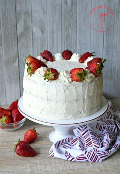 Markarponės sūrio tortas su bra�kėmis