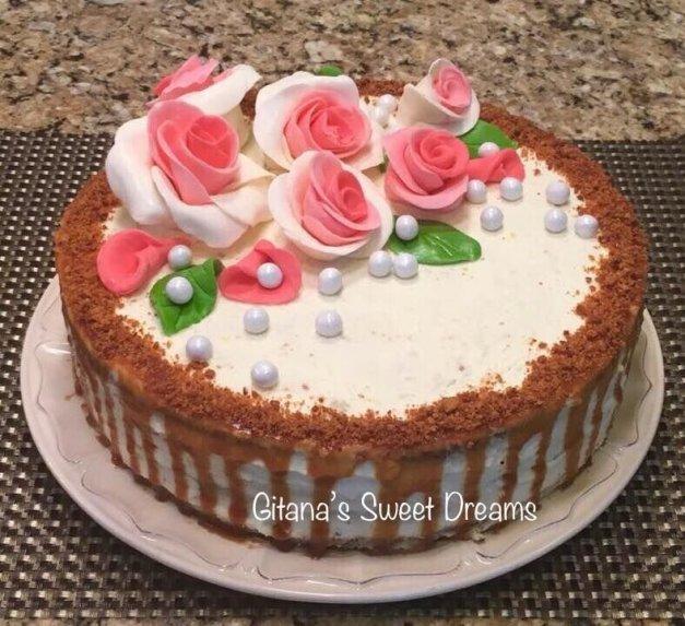 Karamelinis tortas su gaiviu rikotos kremu
