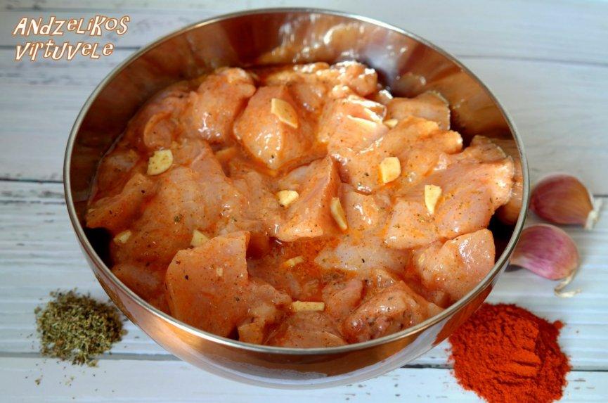 Turkiški vištienos iešmeliai su varškės padažu