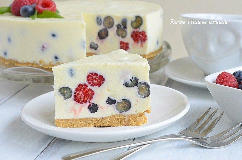 Nekeptas sūrio tortas su baltu šokoladu