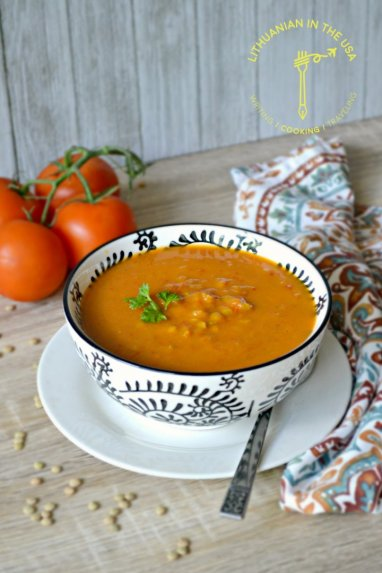 Soti lęšių sriuba su daržovėmis