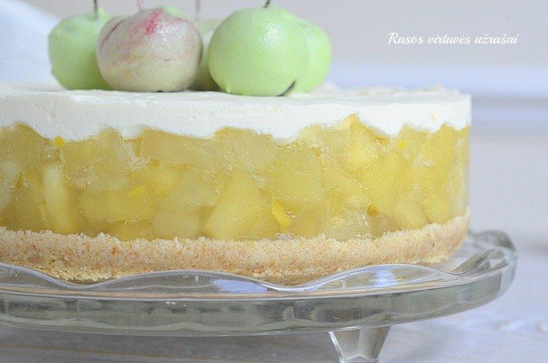 Nekeptas obuolių ir maskarponės tortas