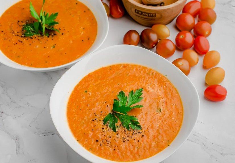 Tobula keptų pomidorų sriuba