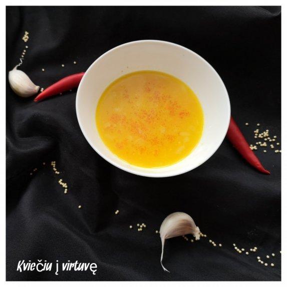 Moliūgų sriuba su daržovėmis ir sorų kruopomis