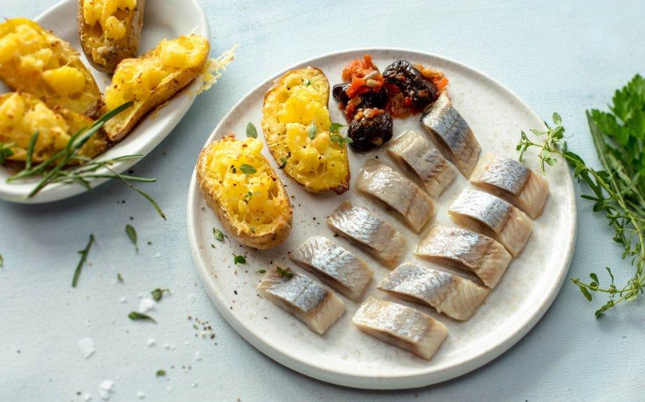 Du kartus keptos bulvės su ZIGMO silkių filė
