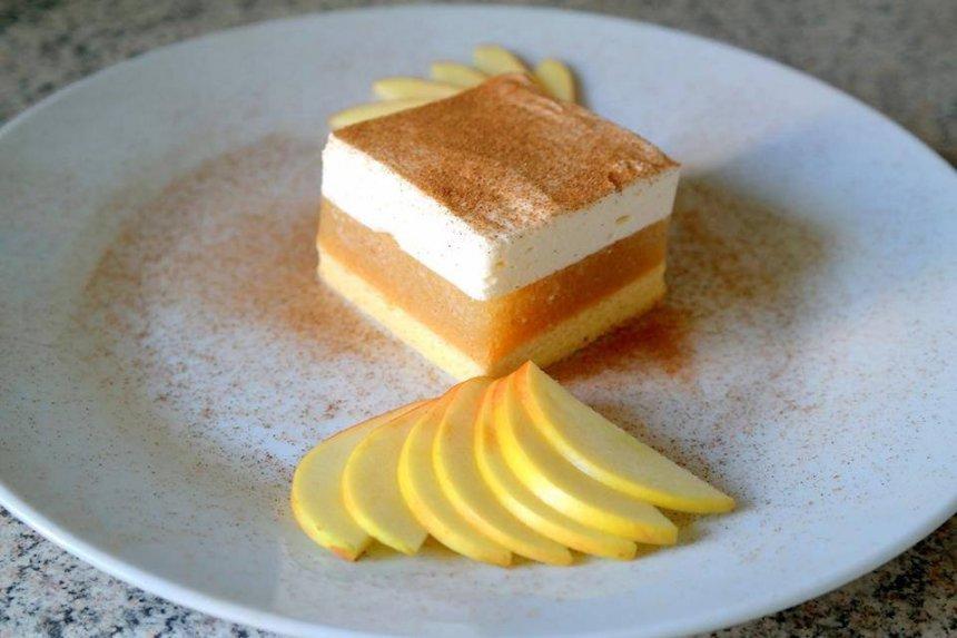 Drėgnas obuolių pyragas