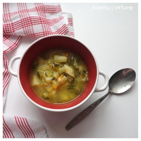 Raugintų agurkų sriuba su ryžiais