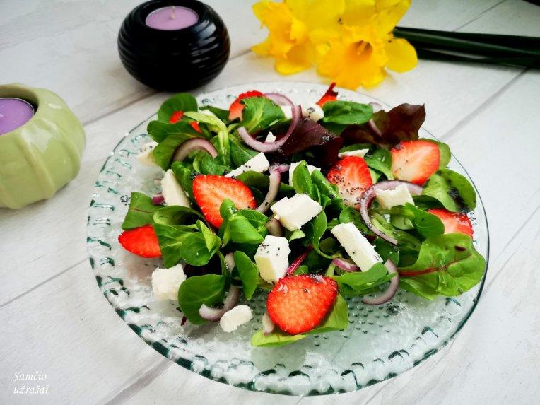 Pavasariškos braškių salotos