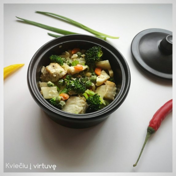 Žuvies troškinys su daržovėmis