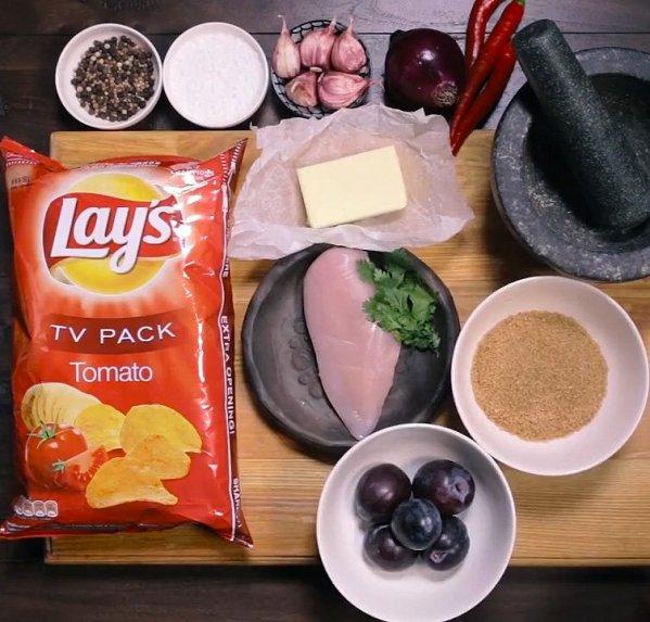 Barbekiu vištiena su Lay's traškučiais keptuvėje