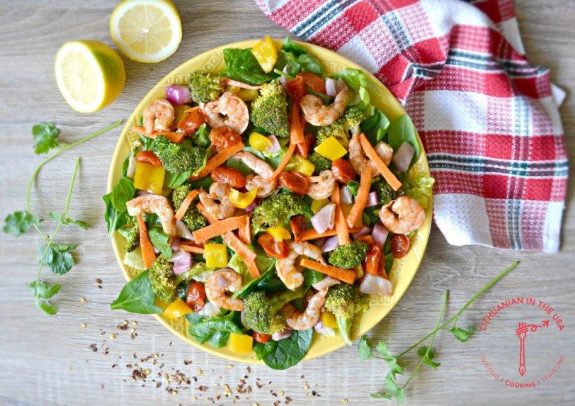 Krevečių salotos su keptomis daržovėmis
