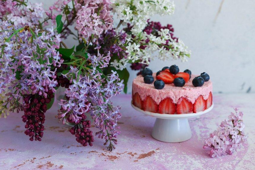 Nekeptas braškinis tortas be želatinos