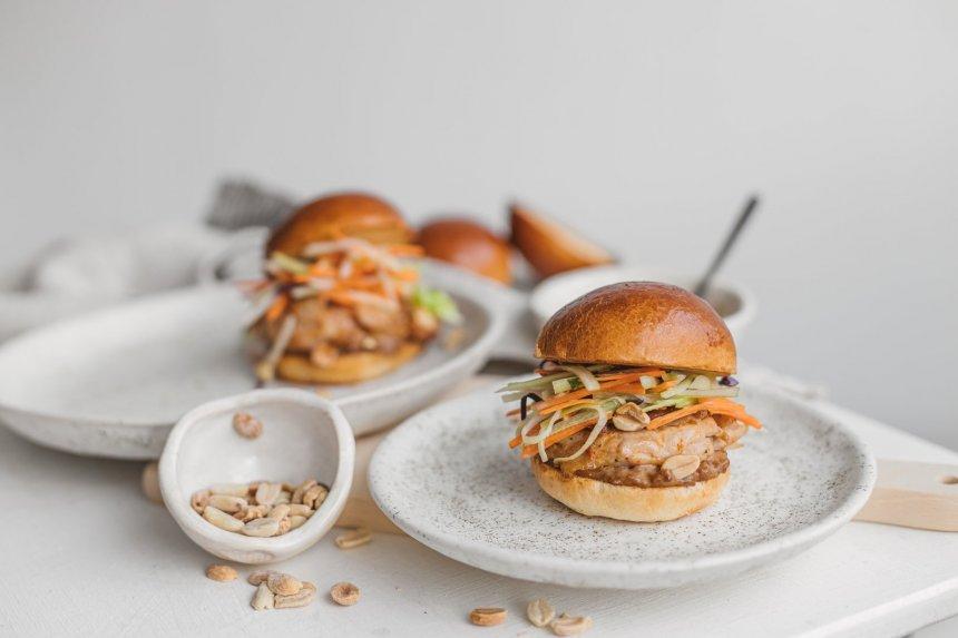 Mini mėsainiai su vištienos kepsneliais