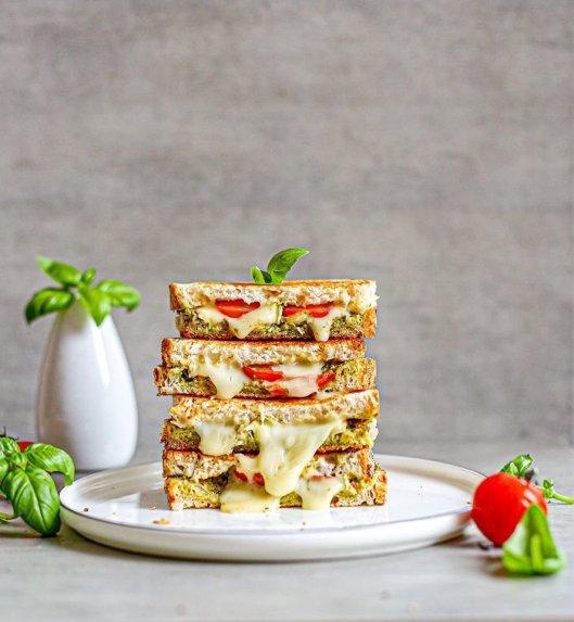 Kepti sumuštiniai su sūriu ir pesto