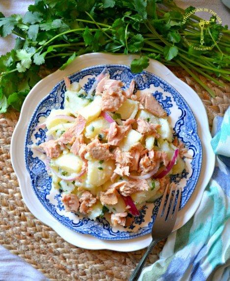 Ispaniškos bulvių salotos su tunu