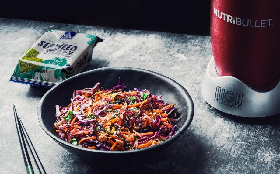 Azijietiškos kopūstų ir morkų salotos