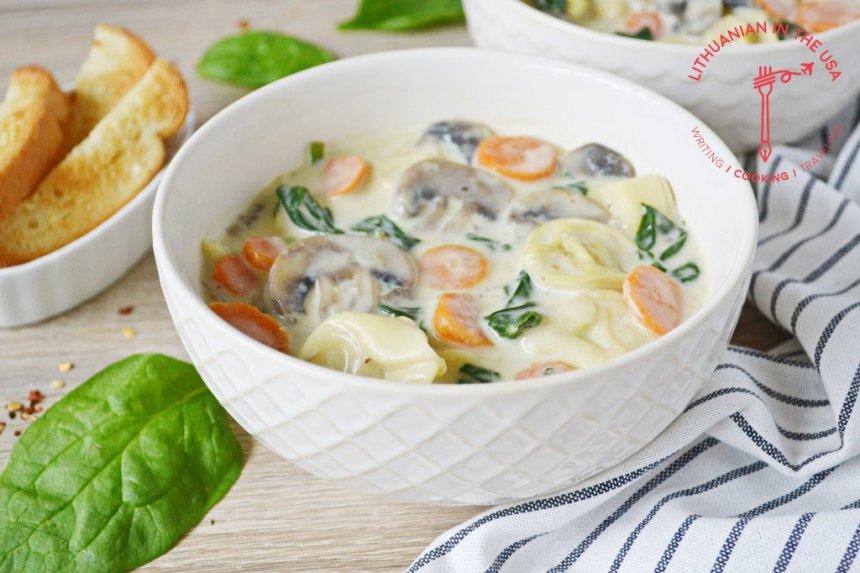 Tortellini sriuba su daržovėmis ir pievagrybiais