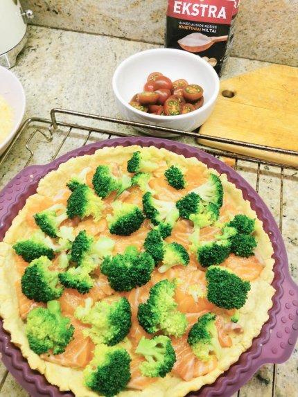 Velykinis lašišos ir brokolių pyragas