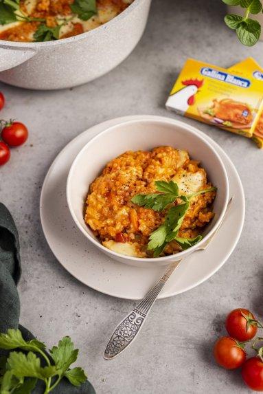 Vieno puodo ryžių ir vištienos troškinys su daržovėmis bei pievagrybiais