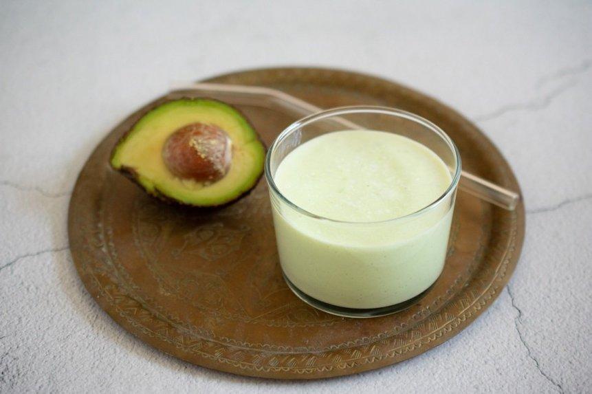 Pieniškas avokadų kokteilis