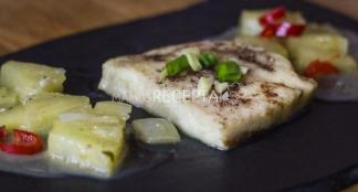 Žuvis su ananasais